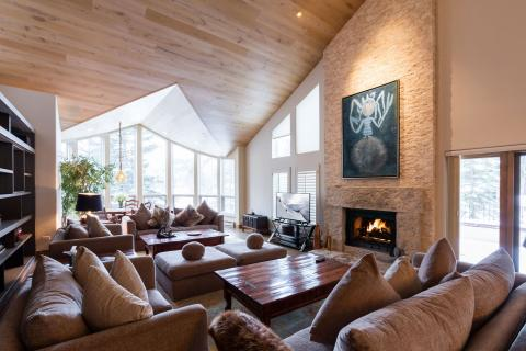 Vail Ski-In/Out 5-Bedroom Penthouse